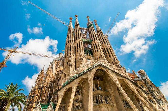 כנסיית המשפחה הקדושה - טיולים בברצלונה
